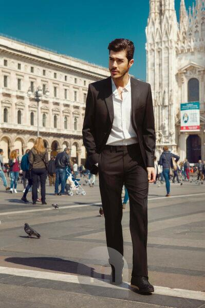 Fashion Editorial, Man in front of Duomo di Milano