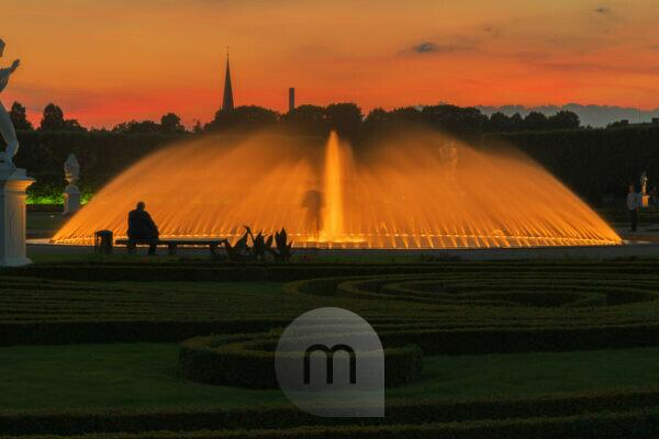 Herrenhausen Gardens, baroque garden, broderie pattern and fontaine in the big garden, Evening mood