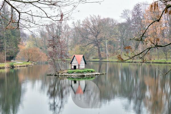 Moat, Schwanenhaus, Autumn, Winter, Wolfenbüttel, Lower Saxony, Germany, Europe