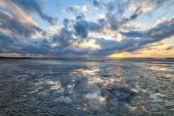 Wadden Sea, evening, dusk, blue hour, north dike, north, North Sea, Ostfriesland, Lower Saxony, Germany,