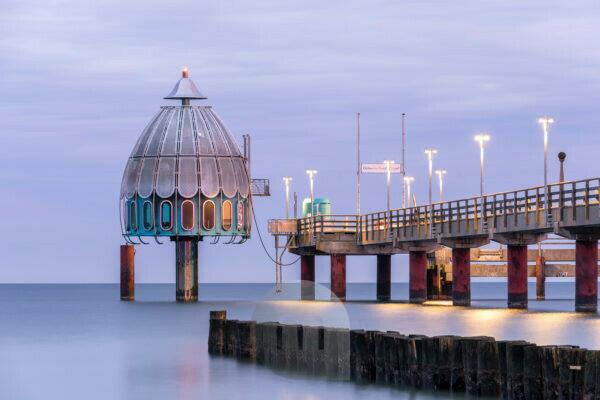 Germany, Mecklenburg-West Pomerania, Zingst, Baltic Sea, diving bell, pier